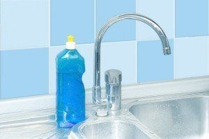 How to clean Kitchen and Bathroom Surfaces: How to Remove Dye Stains from Tile