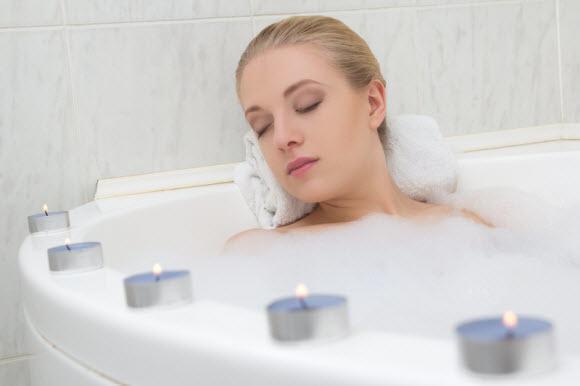 Candles-On-Bathtub