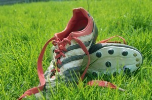 How to clean Shoes, Accessories and Other Stuff: How to Clean Cleats