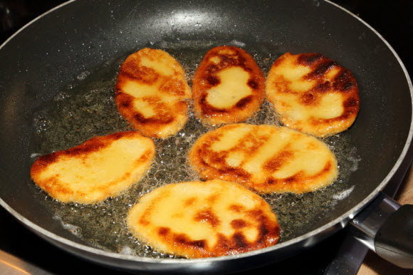 How to Remove Food Oil Stains » How To Clean Stuff.net