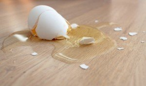 How to clean Food: How to Clean Up a Dropped Egg