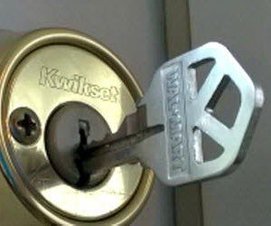 How to clean Household Appliances and Fixtures: How to Clean a Sticky Door Lock