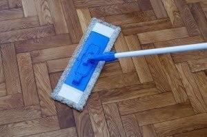 How to clean Floors: Cleaning Wood Floors with Vinegar