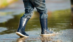 How to clean Shoes, Accessories and Other Stuff: How to Clean and Care for Rubber Boots