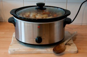 How to clean Kitchenware: How to Clean a Slow Cooker