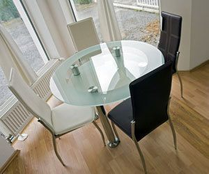 How to Remove Streaks or Haze from a Glass Dining Table ...