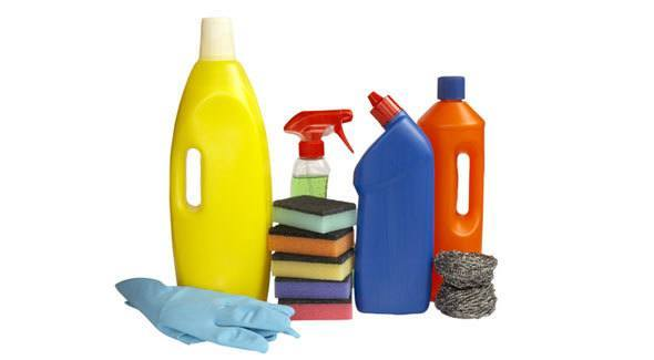 How to Avoid Health Problems from Chlorine Bleach » How To Clean