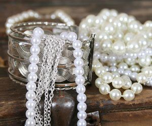 How to Clean Silver and Pearl Necklace