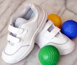 how to clean white shoes tennis shoes accessories and